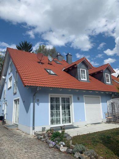 Stilvolle Doppelhaushälfte mit großem Garten im Münchener Süden