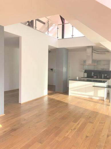Penthouse-Wohnung mit Weitblick über das Leinetal in beliebter Wohngegend