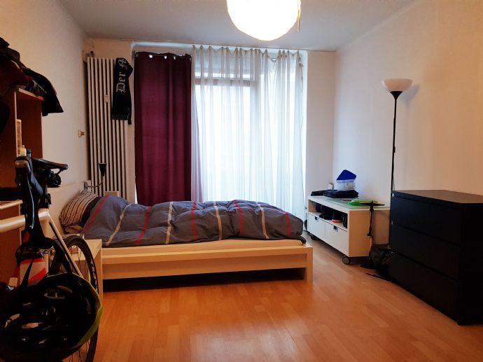 *** WG-geeignete 2-Zimmer-Wohnung mit Balkon im Frankenberger Viertel ***