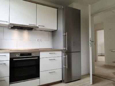 Frisch sanierte 3-Zimmer-DG-Wohnung mit Blick ins Grüne und Garten.