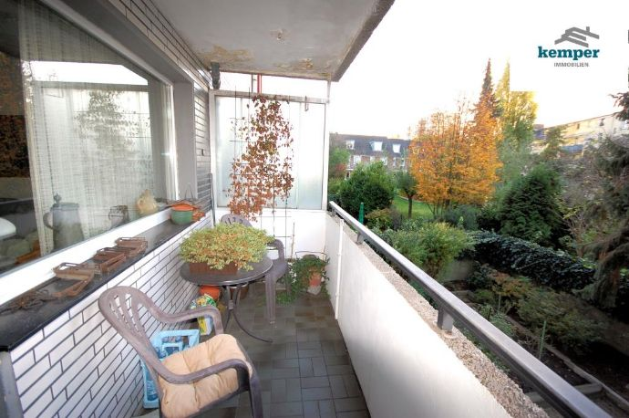 Für Kapitalanleger: Ruhige 2-Zi.-Wohnung mit Balkon u. Garage