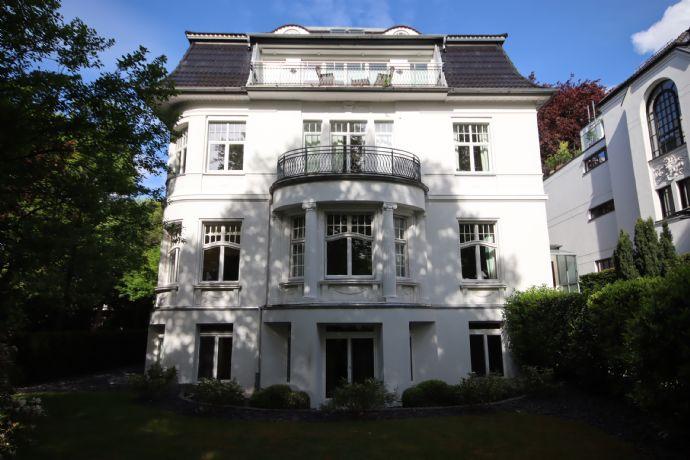 Großzügige 4-Zimmer-Souterrainwohnung in Hamburg-Winterhude
