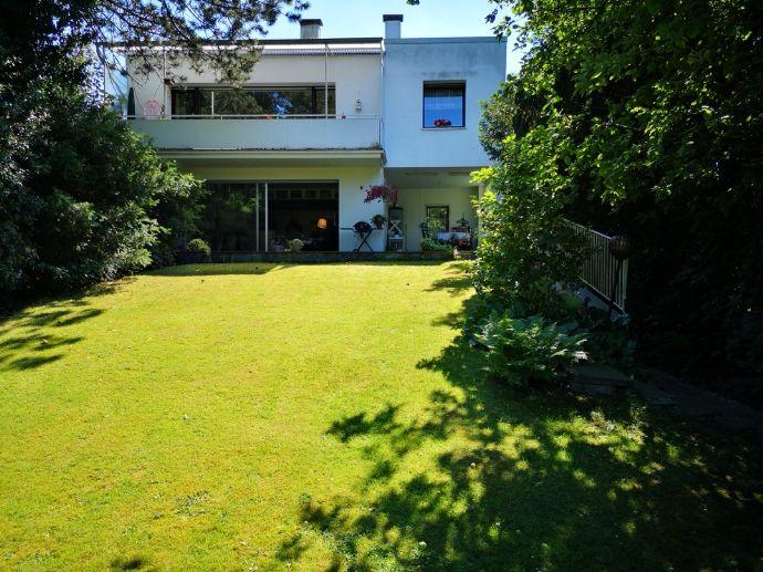 Einfamilienhaus mit Einlieger Wohnfl. 270m², Grundst. 1500m²