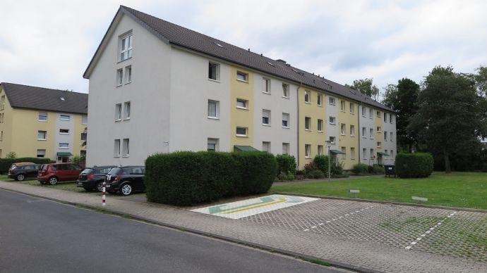 Schone 4 Zimmer Wohnung In Duisburg Grossenbaum Mit Stellplatz Und