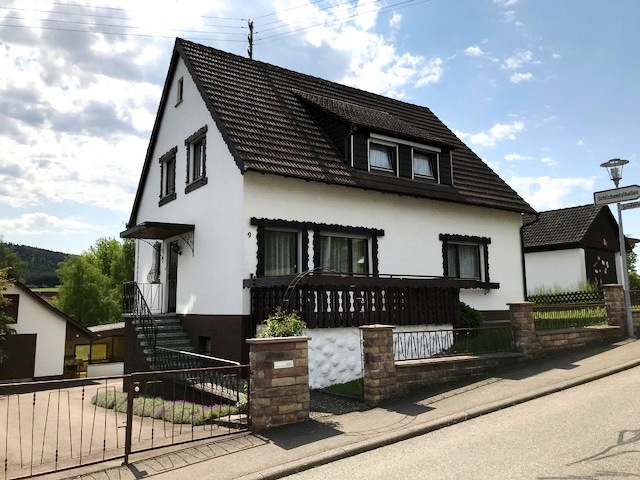 Schönes 2 Familienhaus in ruhiger und sonniger Wohnlage von Diet.-Böhringen