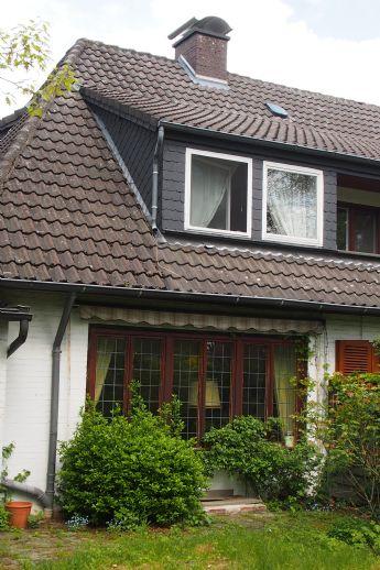 Doppelhaushälfte, zentrumsnah mit großem Garten