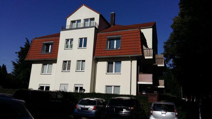 2-Zimmer-Dachgeschosswohnung mit Balkon und PKW-Stellplatz in Hohen Neuendorf