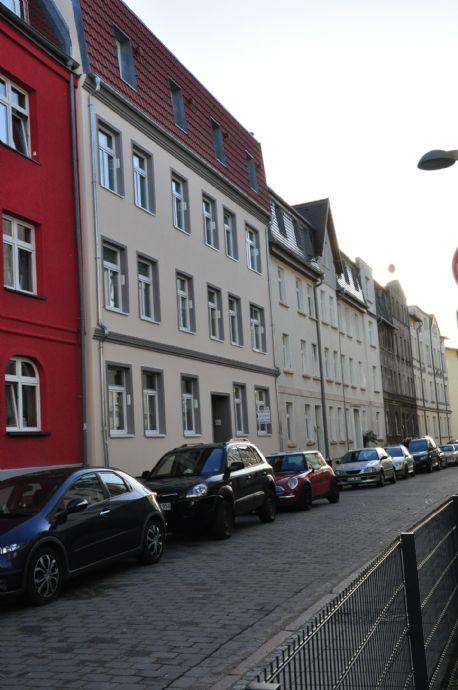 Große 2-Zi. Whg. mit separater Küche & Balkon