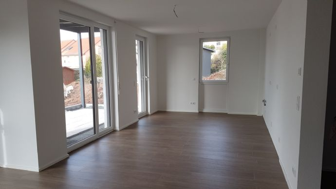 4 Zimmer EG Wohnung / Neubau Erstbezug