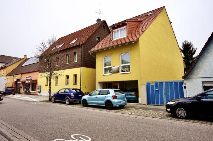 Mehrfamilienhaus mit 4-Wohneinheiten Garten, Garage und 2 Stellplätzen