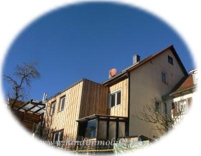 Die frisch renovierte Fassade
