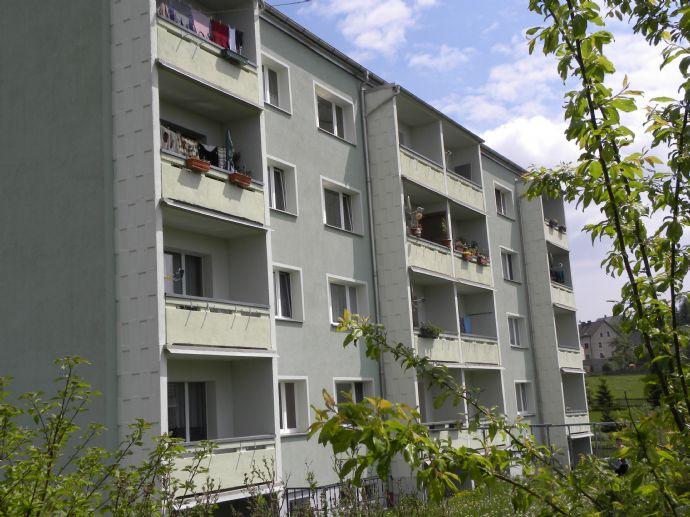 3 Zimmer Wohung in Greiz-Gommla, 60qm, Stellplatz, Balkon, schöne Wohnlage