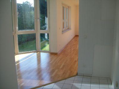fr hst ck im gr nen familienfreundliche 4 zimmer wohnung. Black Bedroom Furniture Sets. Home Design Ideas