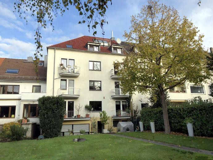 5-Zimmer-Maisonette-Wohnung mit Dachterrasse in Braunsfeld
