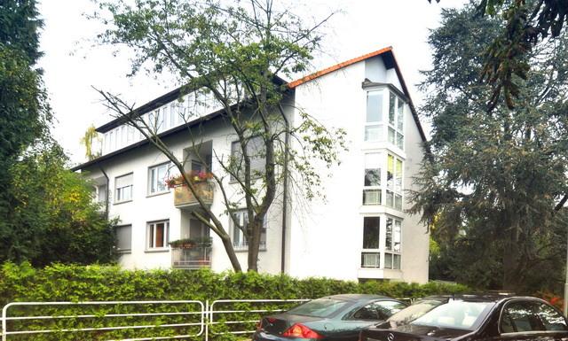 Hochwertige Erdgeschosswohnung zum Wohlfühlen! Mit Einbauküche, Terrasse und Garten!