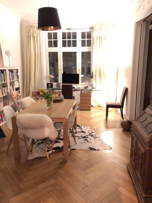 Teilmöblierte Jugendstil-Altbauwohnung mit 5,5-Zimmer in Hamburg-Uhlenhorst, zunächst befristet für ein Jahr