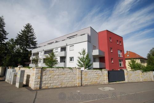 moderne 2 Zimmer-Wohnung mit Einbauküche in Uninähe - WG geeignet