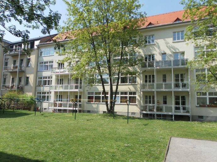 Gemütliche 2-Raumwohnung mit Blick in begrünten Innenhof