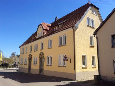 Haus zur Straßenseite