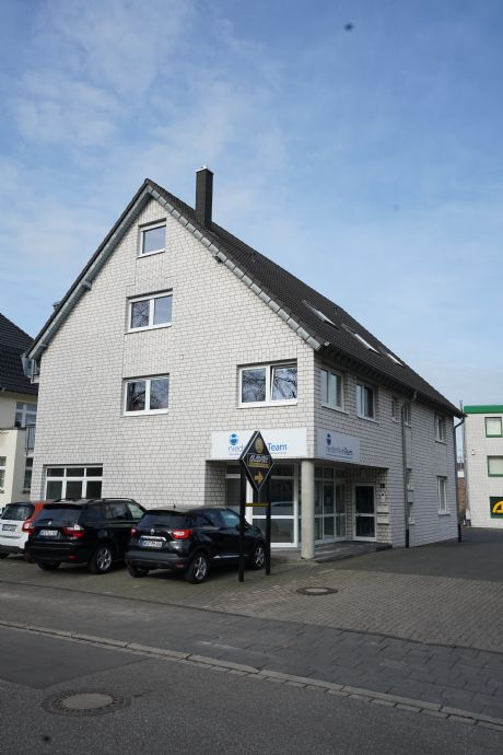 Helle 3 Zimmer Maisonette- Wohnung mit Balkon in Wesel