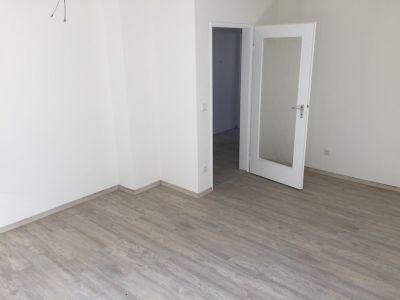 Komplett renovierte 2-Zimmer Wohnung im EG in Muggenhof