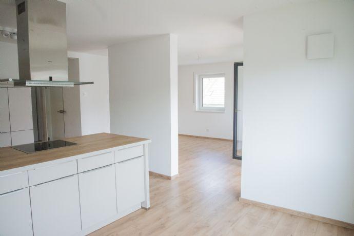 Hochwertig ausgestattete Neubau 3,5 Zi. Whg. in exklusiver Schwandorfer Lage am Weinberg zu vermiete