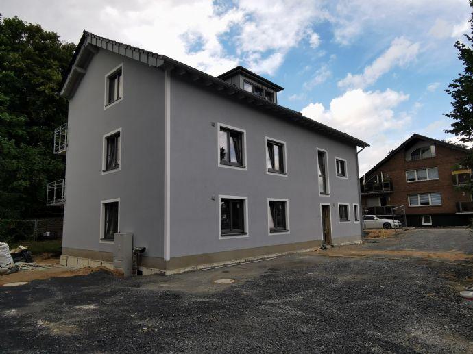 ERSTBEZUG ! Neubau-Dreizimmerwohnung im ersten Obergeschoss mit Sonnenbalkon in Köln-Porz-Langel !