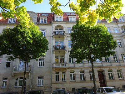 Haus und Balkon 1. OG