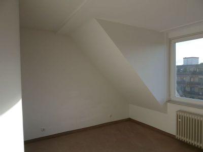 Lindenthal - gemütliche und ruhige 2 Raum Dachgeschoßwohnung in Köln ...