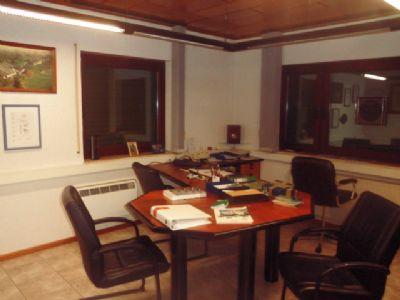 greifenstein ot odersberg ihre neue firmenadresse sep geb ude b ro zur miete 2 pkw. Black Bedroom Furniture Sets. Home Design Ideas