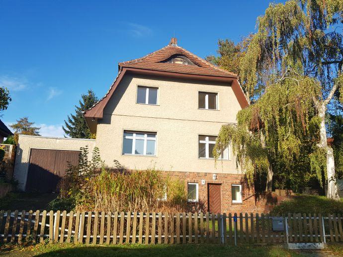 Einfamilienhaus mit Einliegerwohnung / Großes Grundstück mit kl. Teich und Mammutbäumen in Zeuthen (Miersdorf)