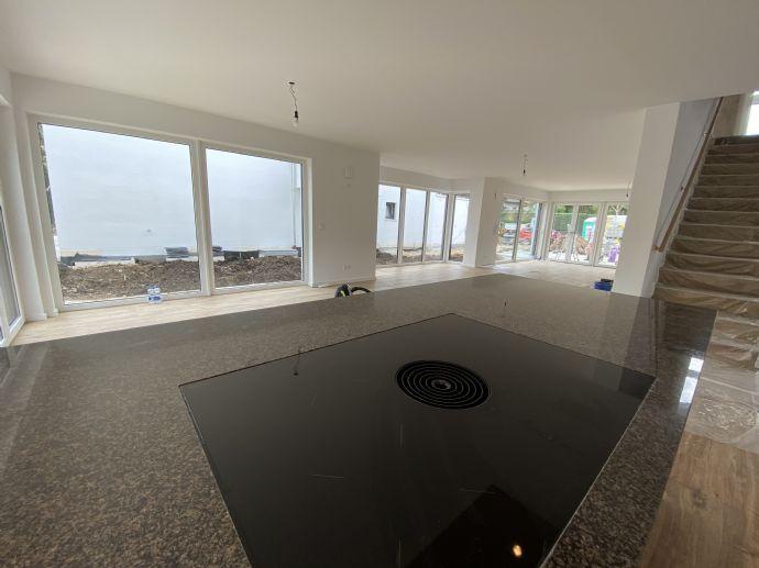 Neubau: Exklusive Einfamilienvilla in Neuried mit unglaublich viel Platz!