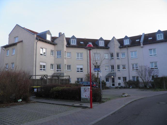 2 Raum Wohnung mit Balkon und TG-Stellplatz im schönen Lindenthal