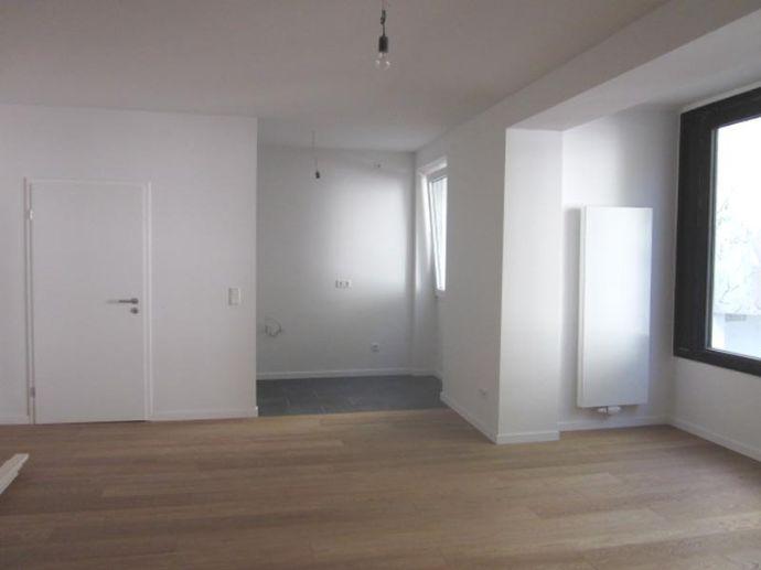 Kernsaniertes Apartment mit offener Küche D,-Rath für moderne singles