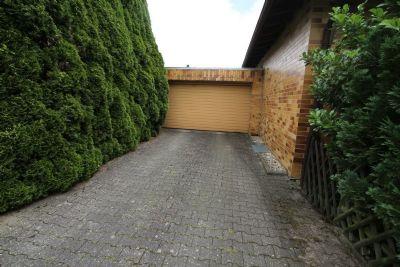 Garage mit Zufahrt