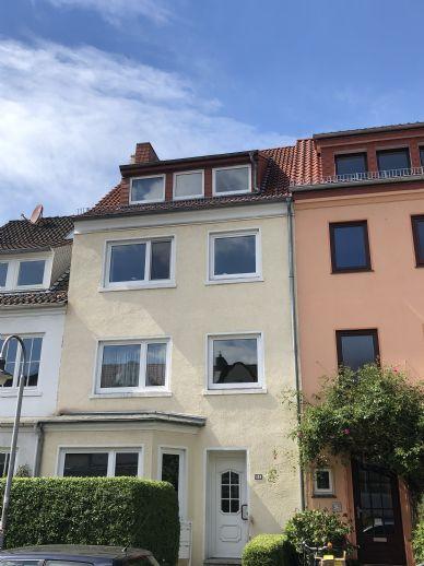 Flüsseviertel-Neustadt - Isarstraße - Vierparteienhaus mit Vollkeller und Garten