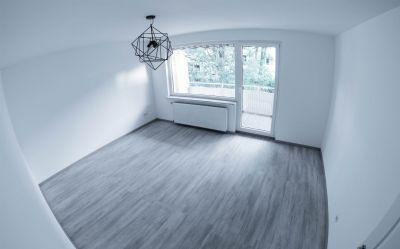 Bitte lesen- Objekt zum tausch Angeboten- Sanierte 4-Zimmer-Wohnung mit Einbauküche und Balkon