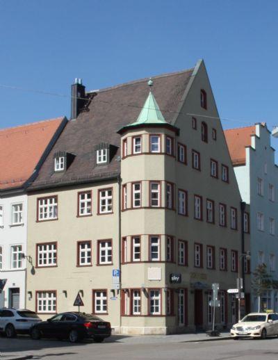 Schöne 4-Zimmer-Altbau-Wohnung im Stadtzentrum