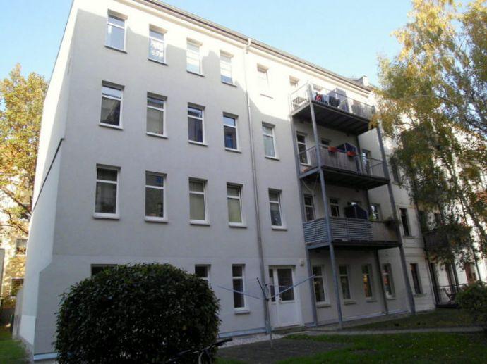 Top Lage - Großzügige 1-Raum-Wohnung mit Balkon im Hinterhaus