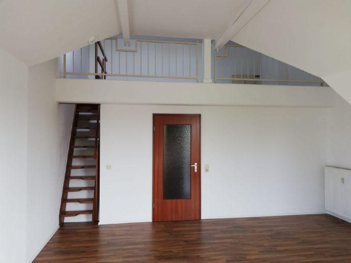 Attraktive 2-Zimmer-Dachgeschoss-Wohnung, 44 m² über 2 Ebenen, Mülheim Speldorf, BESICHTIGUNG NUR NACH BEWERBUNG