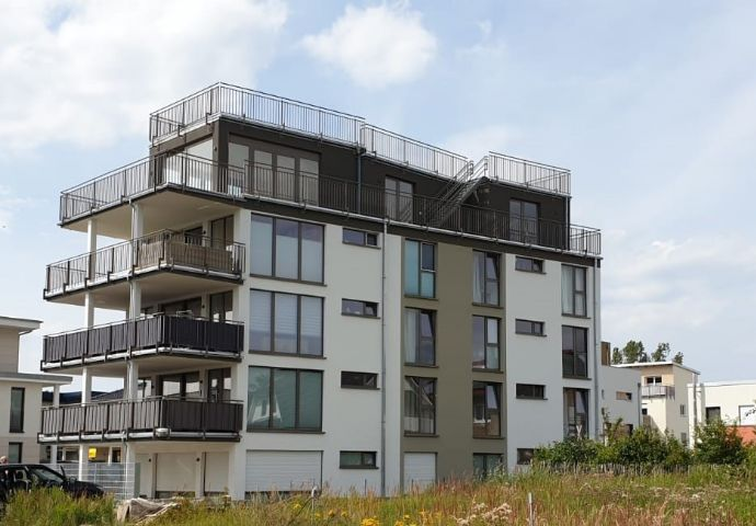Komfortabel& Modern: Helle 2 Raum Wohnung mit Balkon und EBK in Rostock/Hohe Düne