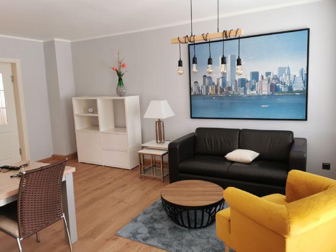 Modern möblierte, helle und freundliche 2-Raumwohnung in zentraler Lage