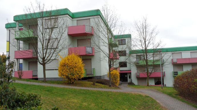 Studi-Apartment in Uni-Nähe mit West-Balkon und eigenem Kellerabteil; Pluwiger Str. 12; provisionsfrei vom Eigentümer