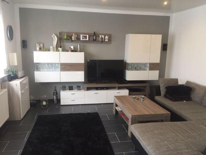Helle und Moderne Wohnung mit 3,5 Zimmer mit Einbauküche im Zentrum von Quierschied