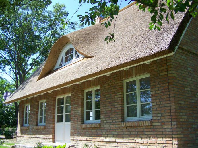 wir bauen reetdachhaus alte klinker haus koserow. Black Bedroom Furniture Sets. Home Design Ideas