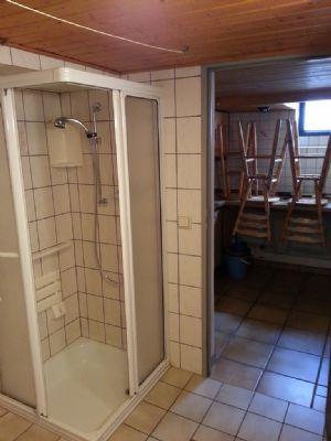 Dusche im Keller