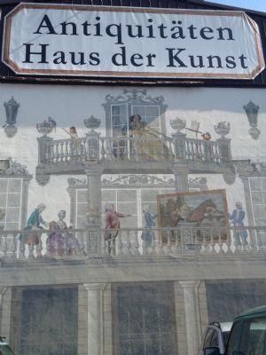 Details der Fassade durch Ikonenmaler handgemalt