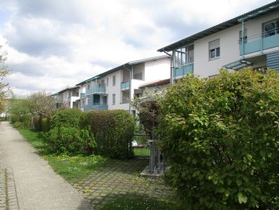 2-Zimmer Gartenwohnung mit Einbauküche in S-Bahn Nähe