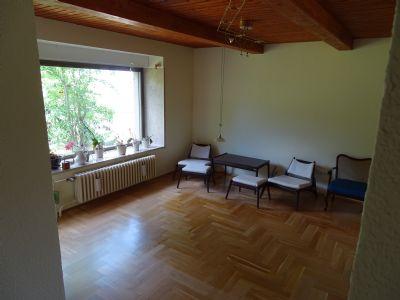 Wohnzimmer mit Echtholzeichenparkett