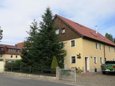 Mehrfamilienhaus_Oschatz_Ansicht_Straße